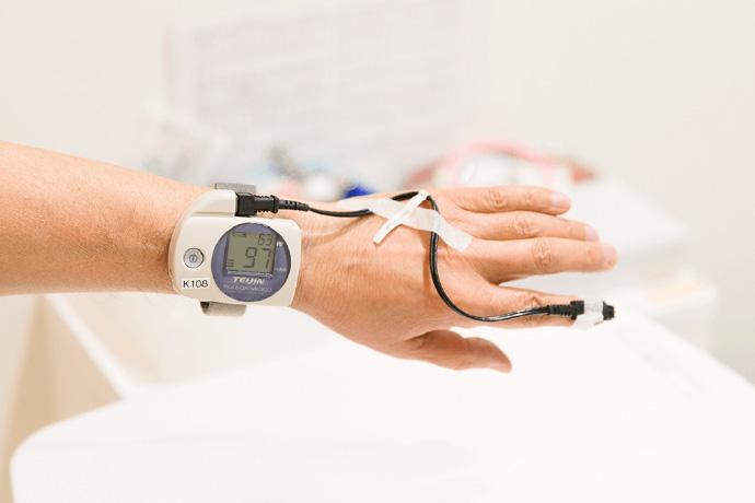 睡眠時無呼吸の簡易検査パルスオキシメトリー検査」